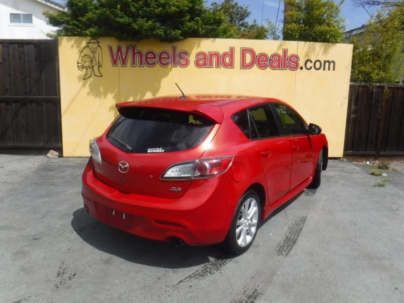 Mazda 3 2011 price $8,995