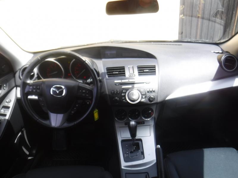 Mazda 3 2010 price $6,395
