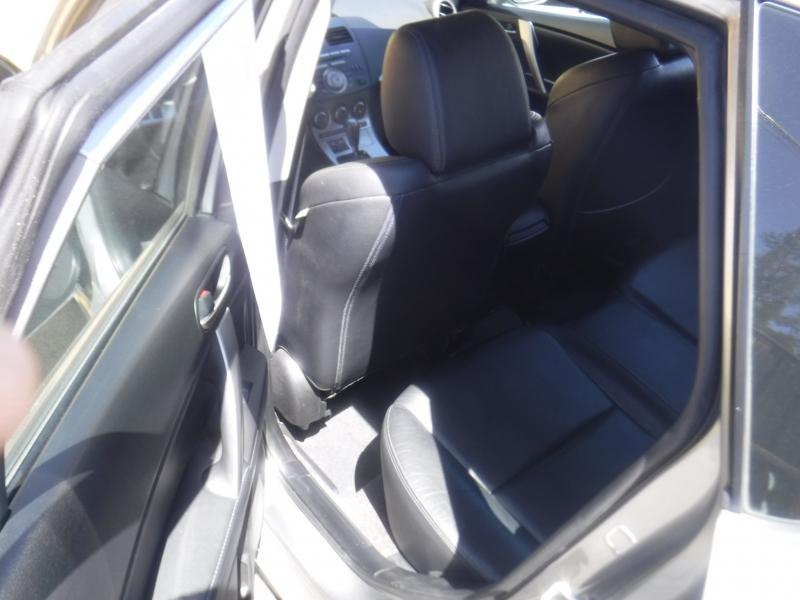 Mazda 3 2011 price $7,795