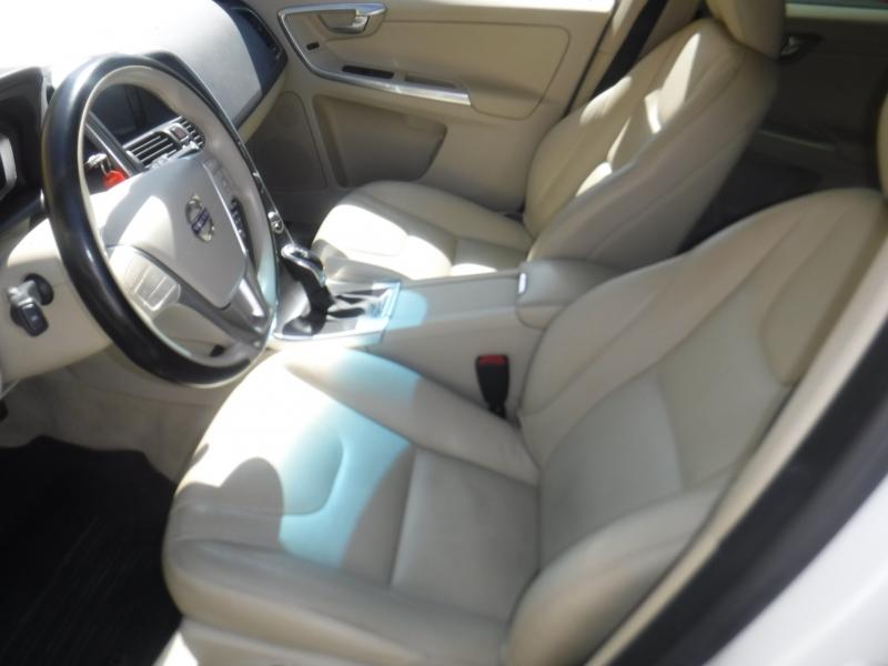 Volvo XC60 2015 price $13,800