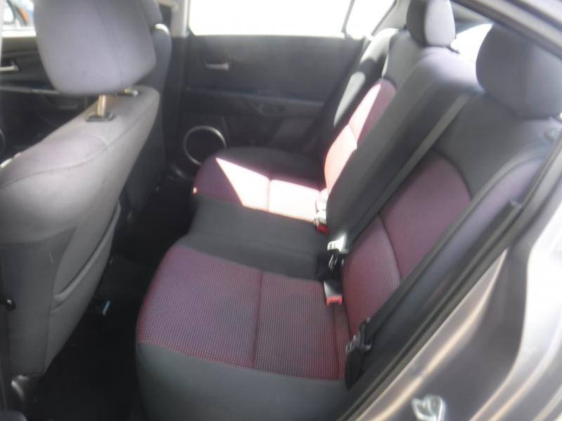 Mazda 3 2004 price $3,650