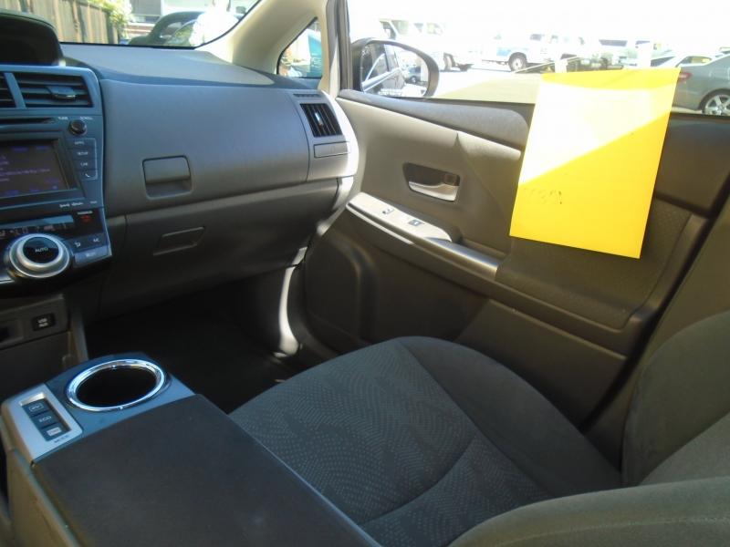 Toyota Prius 2014 price $9,999