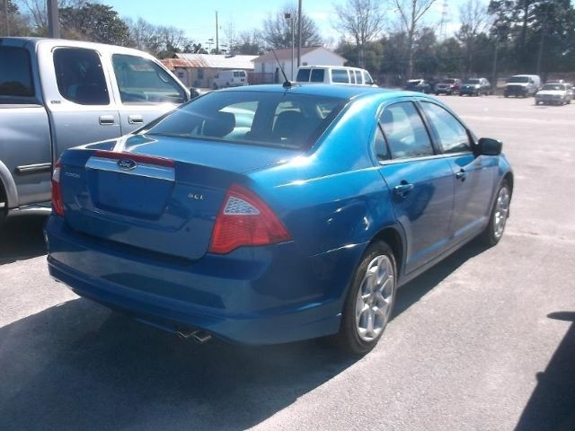 Ford Fusion 2011 price $3,999
