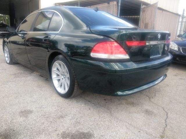 BMW 7-Series 2002 price $1,999