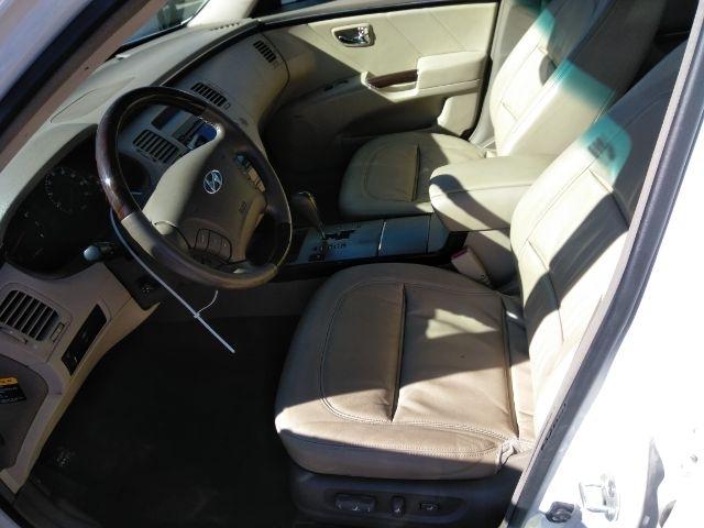 Hyundai Azera 2010 price $2,999