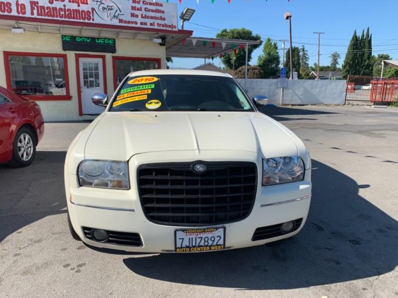 Chrysler 300-Series 2010 price $8,995
