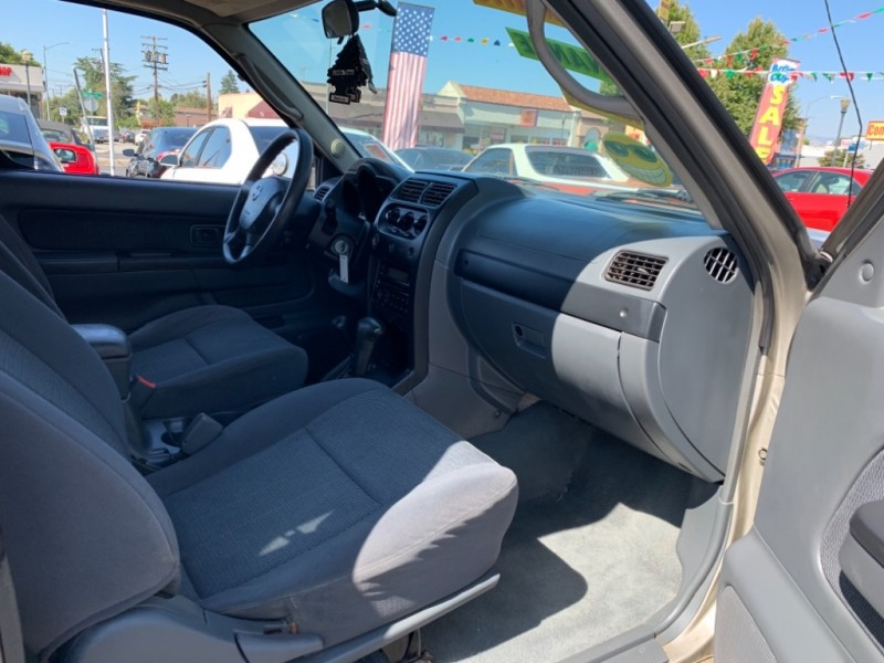 Nissan Frontier 2003 price $7,995