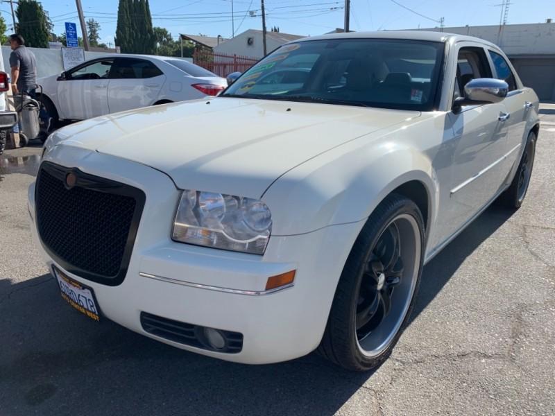 Chrysler 300-Series 2010 price $8,495