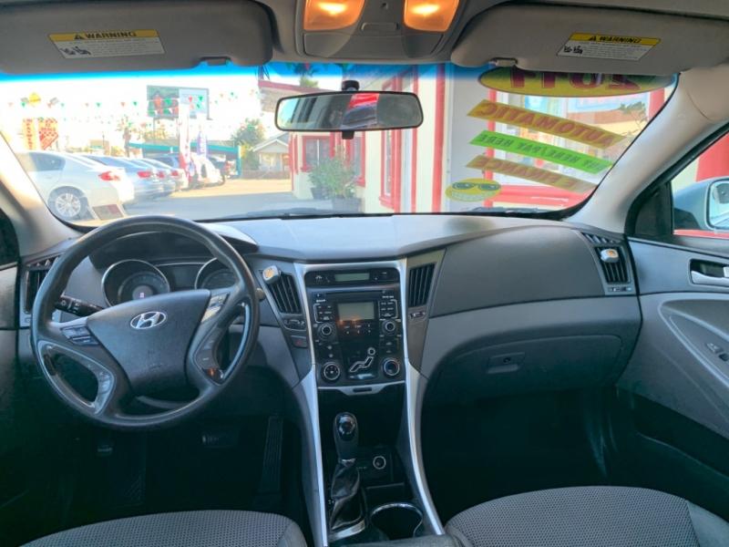 Hyundai Sonata 2011 price $9,495