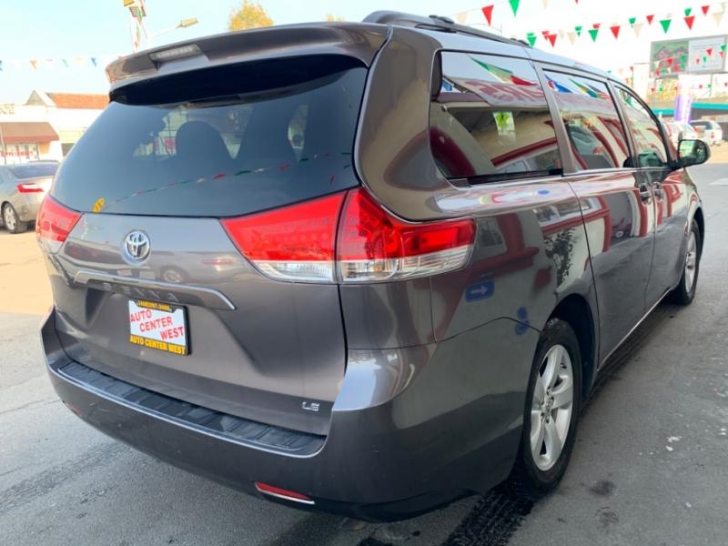 Toyota Sienna 2011 price $11,495