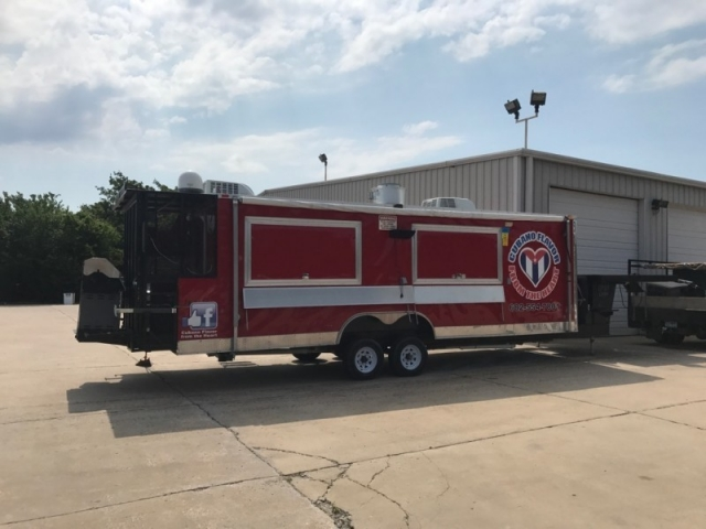 2016 food trailer 40 ft plus Other
