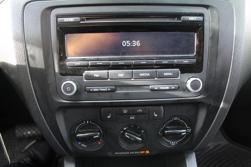 Volkswagen Jetta Sedan 2013 price $10,889