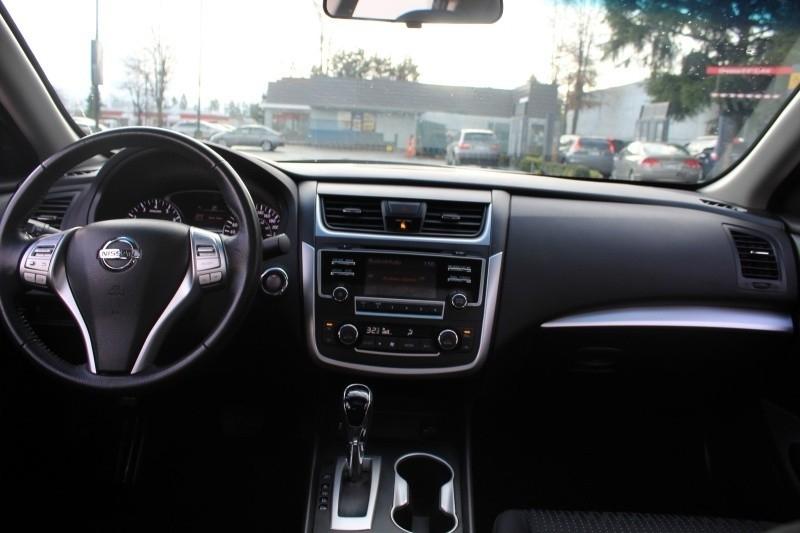 Nissan Altima 2016 price $21,889