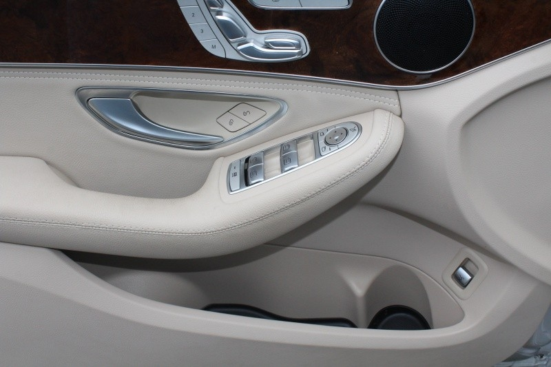 Mercedes-Benz C-Class 2015 price $34,889