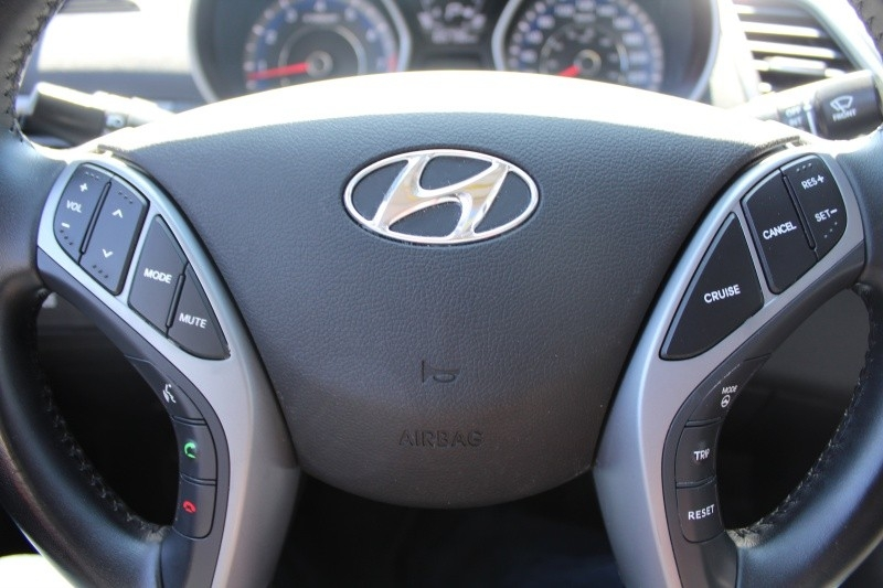 Hyundai Elantra 2016 price $16,889