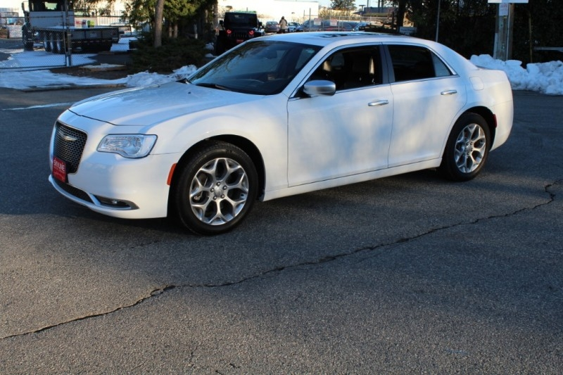 Chrysler 300 2017 price $32,889