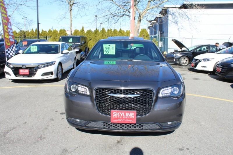 Chrysler 300 2018 price $29,889