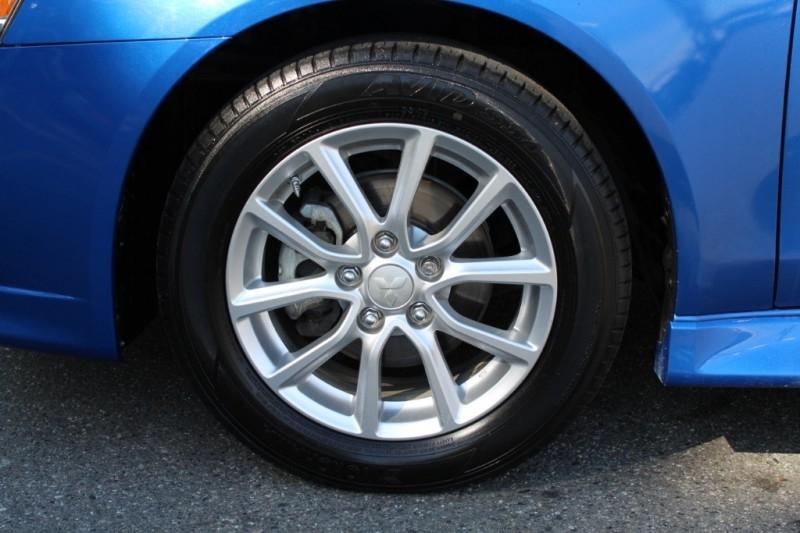 Mitsubishi Lancer 2015 price $13,889