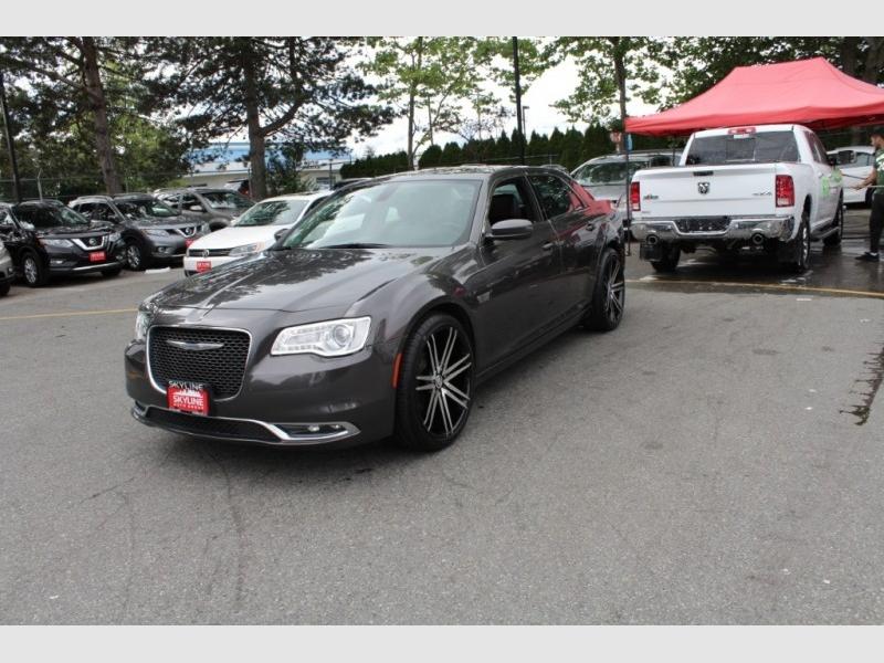 Chrysler 300 2017 price $25,889