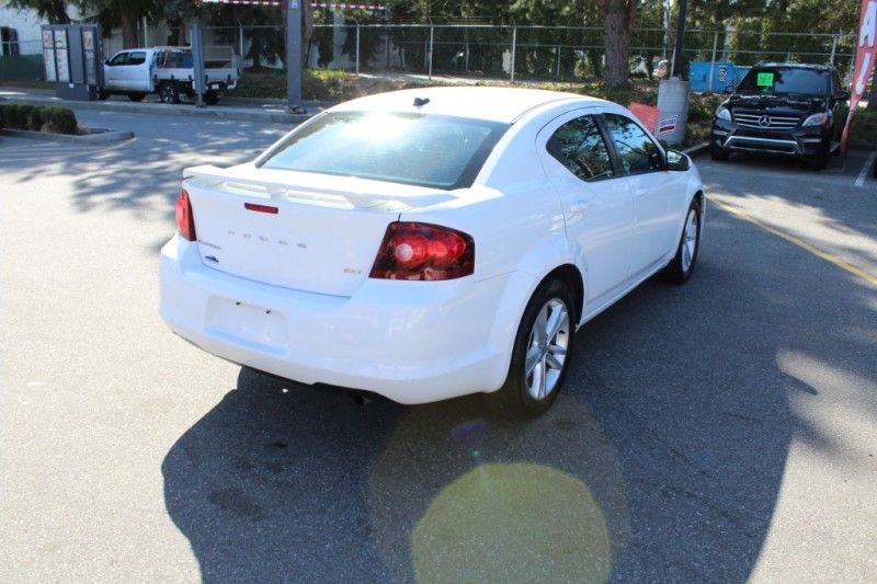 Dodge Avenger 2013 price $9,889
