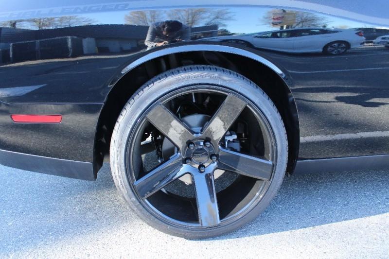 Dodge Challenger 2018 price $37,889