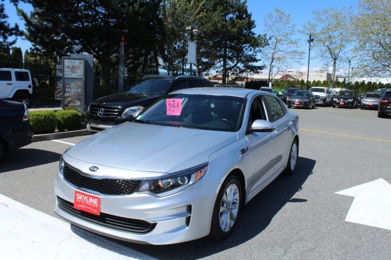 Kia Optima 2018 price Call for Pricing.