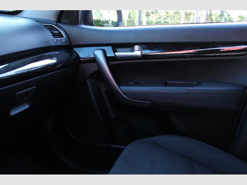 Kia Sorento 2014 price $13,889
