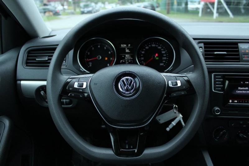 Volkswagen Jetta 2017 price $16,889