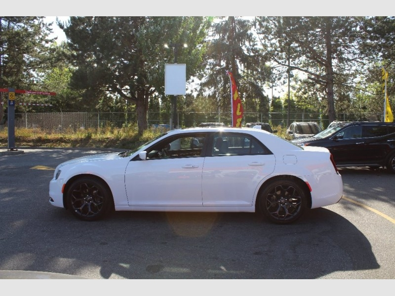 Chrysler 300 2019 price Call for Pricing.