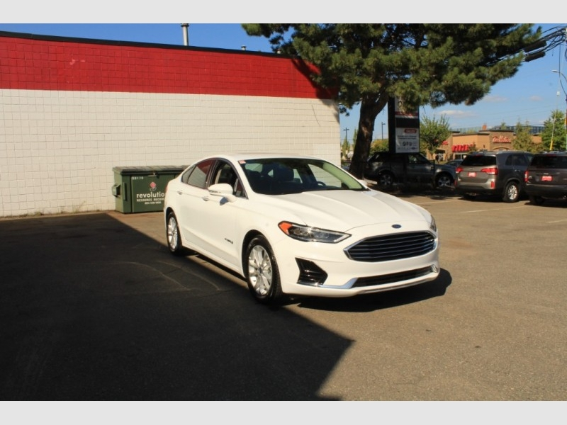 Ford Fusion Hybrid 2019 price Call for Pricing.