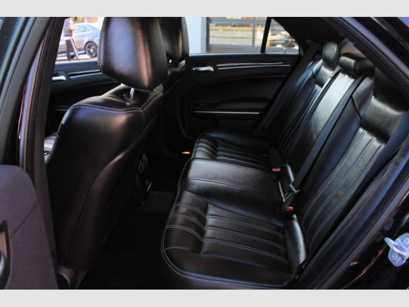 Chrysler 300 2019 price 33889