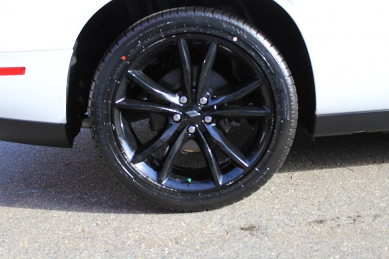 Dodge Challenger 2017 price $29,889