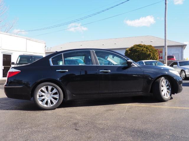 Hyundai Genesis 2009 price $7,995
