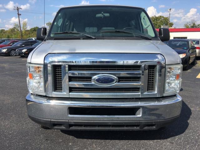 Ford E-350 2009 price $8,995