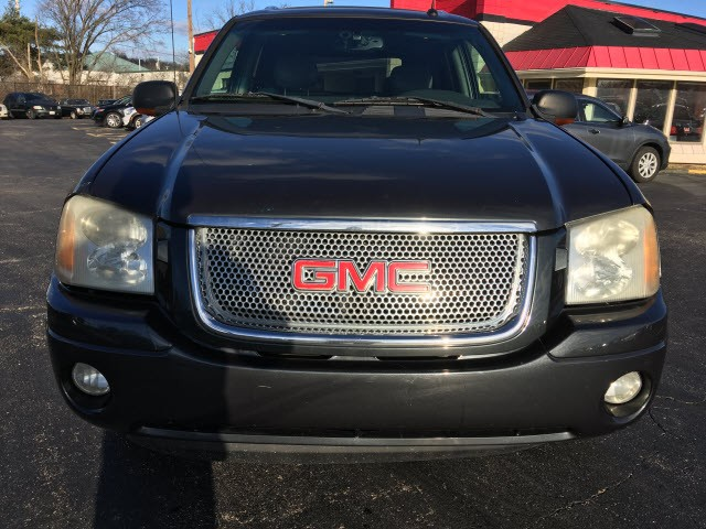 GMC Envoy 2004 price $4,995