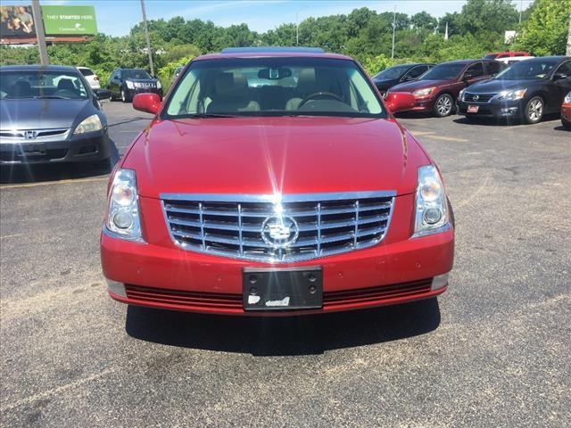 Cadillac DTS 2010 price $7,995