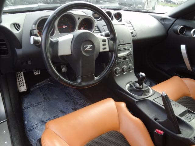 Nissan 350Z 2005 price $10,995