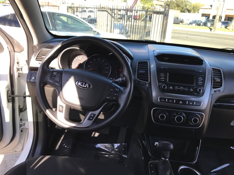Kia Sorento 2015 price $12,999
