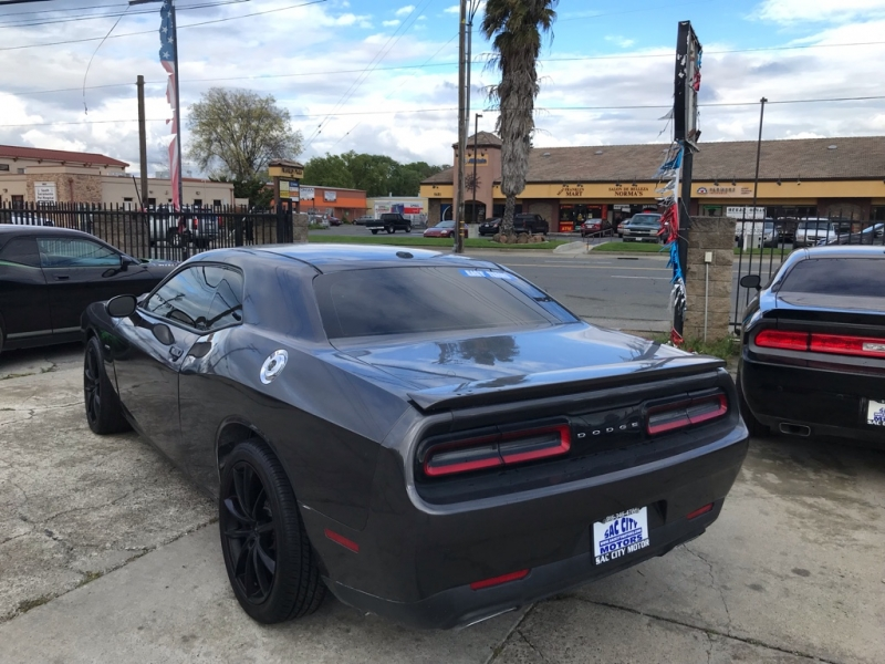 Dodge Challenger R/T 2016 price $22,999