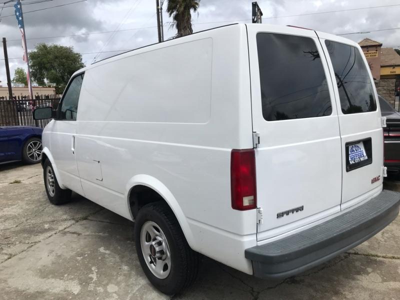 GMC Safari Cargo Van 2004 price $6,999