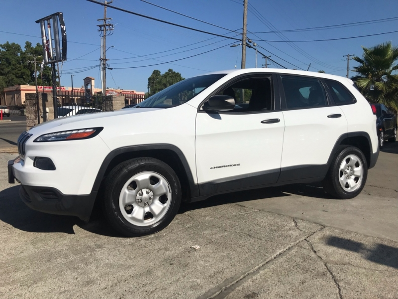 Jeep Cherokee 2015 price $10,999