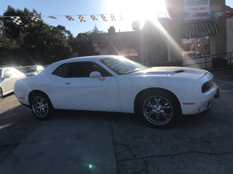 Dodge Challenger 2016 price $16,999