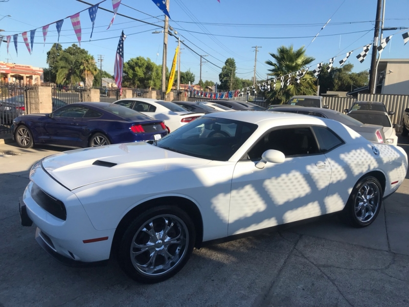 Dodge Challenger 2016 price $18,999