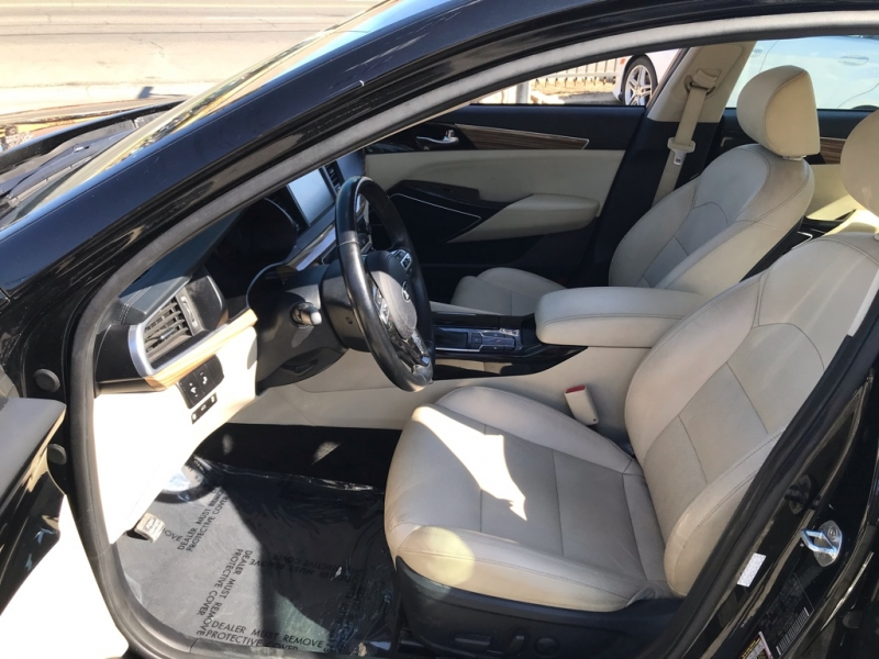 Kia Cadenza 2017 price $19,999
