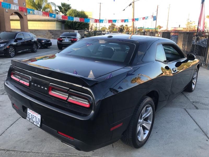 Dodge Challenger 2018 price $22,999
