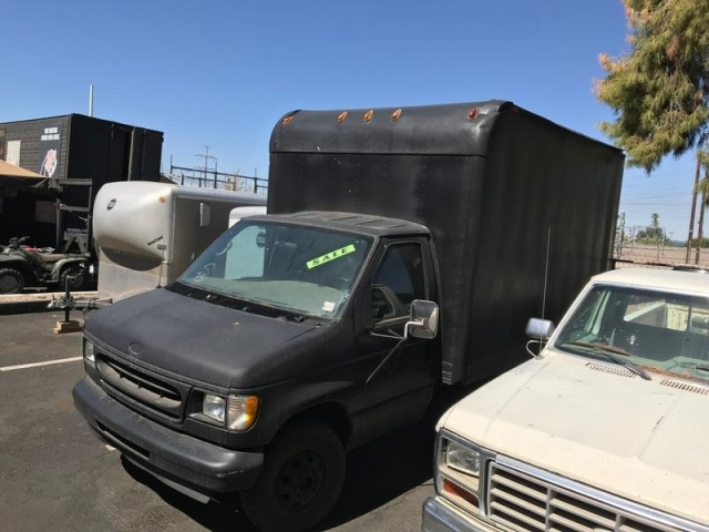 2002 FORD 1 TON BOX
