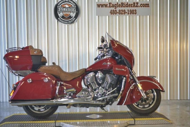 2015 Indian Motorcycle Roadmaster� Indian Red