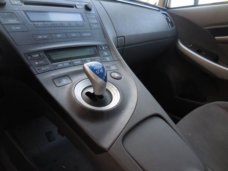 Toyota Prius 2011 price $9,750
