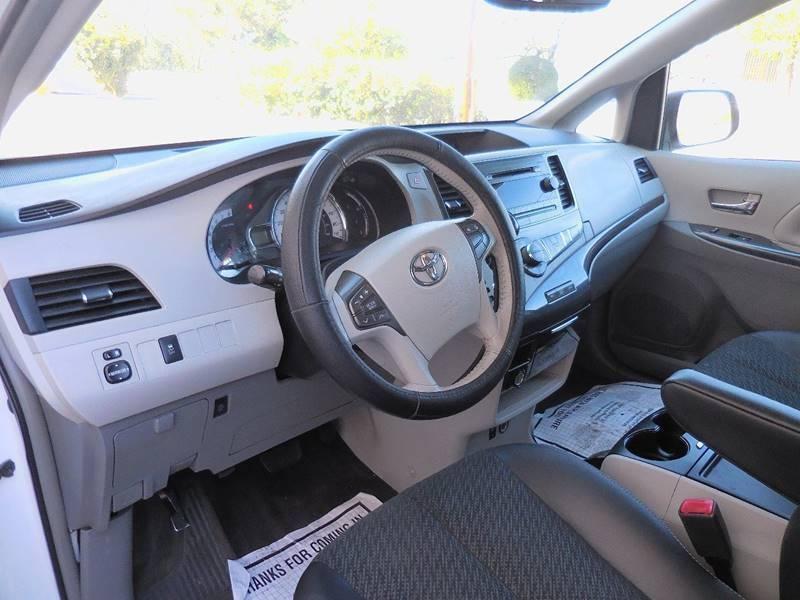 Toyota Sienna 2013 price $16,995