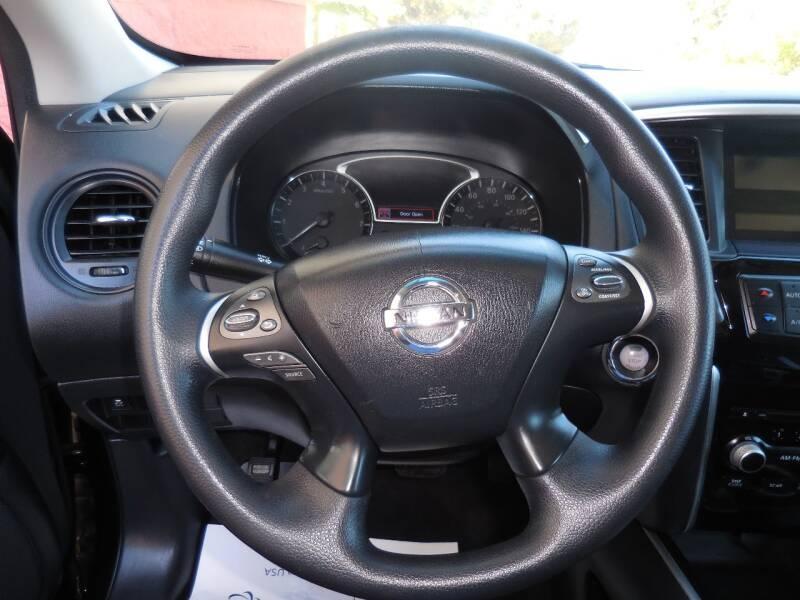 Nissan Pathfinder 2013 price $10,788